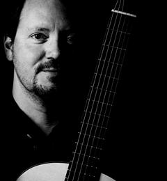 Brad Mahon, classical guitarist